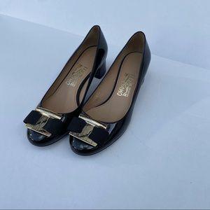 Salvatore Ferragamo Vara bow black patent size 7
